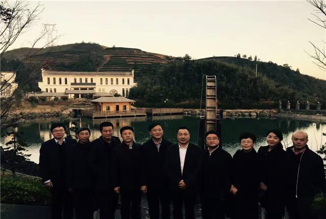 湖北省宜昌市政协李亚隆主席一行观光品品香