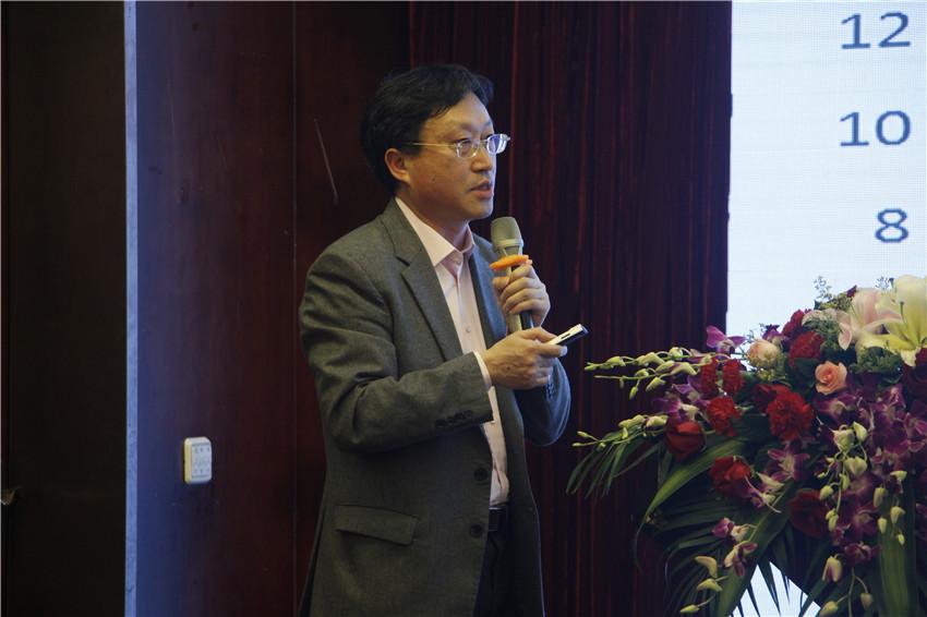 福建农林大学茶学院副院长孙威江传授演讲.jpg