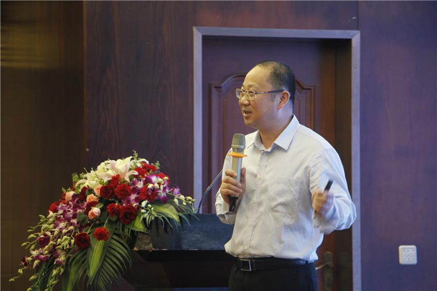 福建省农业厅传授级初级农艺师苏峰传授演讲.jpg